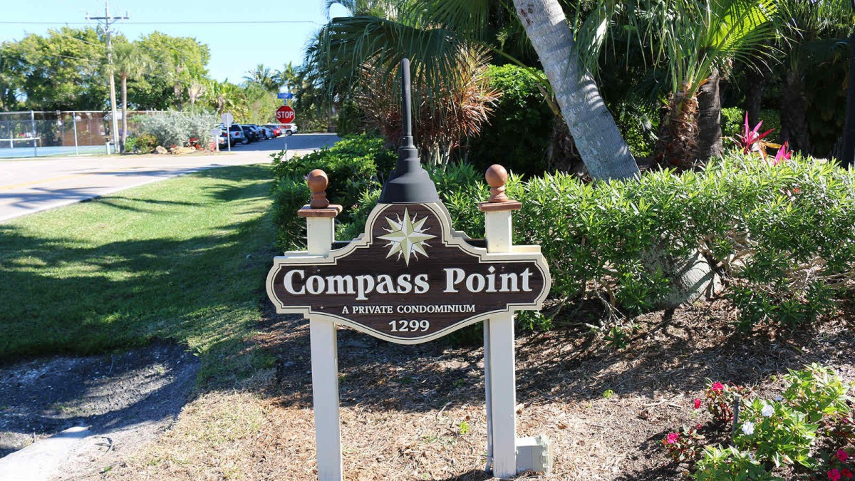 Compass Point Sign