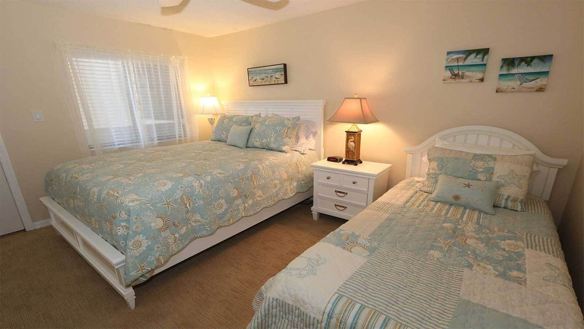 Guest Bedroom With Full & Twin Beds