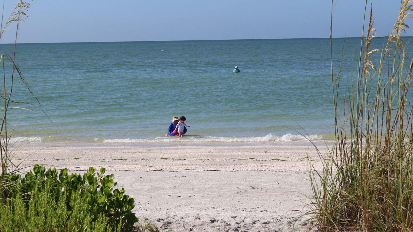 Sanibel condo rental white sands beach island vacations for White sand beach vacations